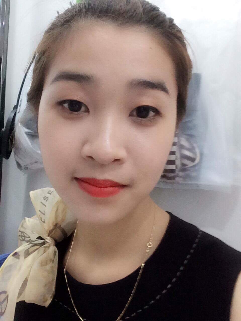Nhân viên bán hàng quầy tiêu thụ mạnh BigC thành phố Vinh Tỉnh Nghệ An
